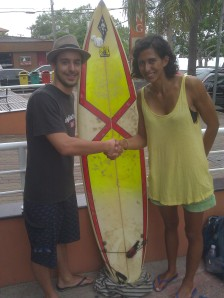One of the hardest things I did before I left was selling my Brazilian surfboard.  We had so many great adventures together it was hard to say goodbye!  But I found a worthy new owner, Tiago, who is taking advantage of his year studying in Floripa to learn how to surf.  I am hoping he will have many more great surf adventures with the Pirate Captain surfboard.  Boas Ondas Tiago!
